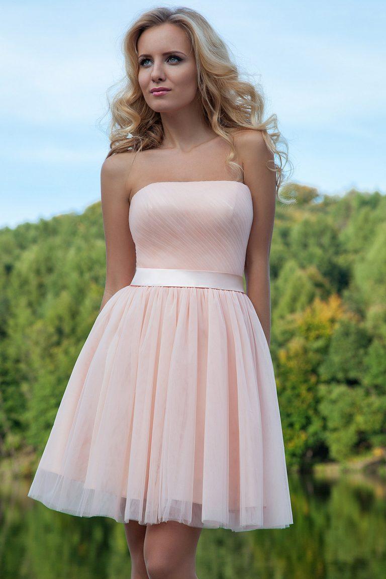 22a033720a6 Quelle est la longueur idéale pour sa robe bustier