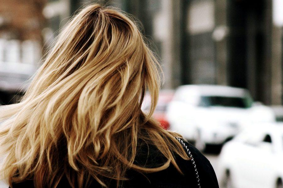 donner de la brillance aux cheveux ternes